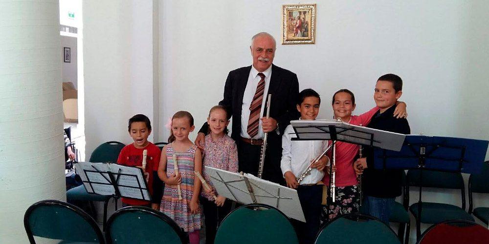Dr. Faustino Llamas y sus nietos
